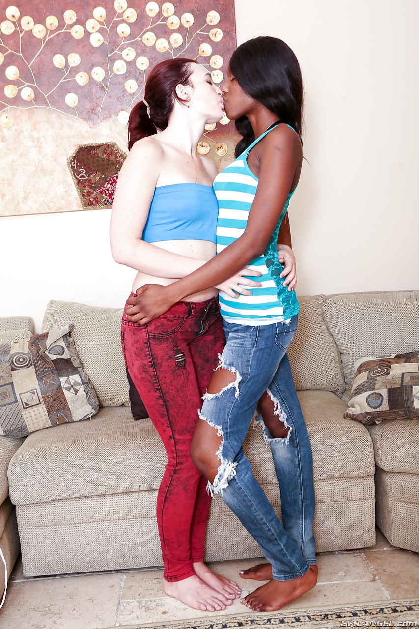 White And Black Girls Jodi Taylor Faith Love Eating Each Others Pussy