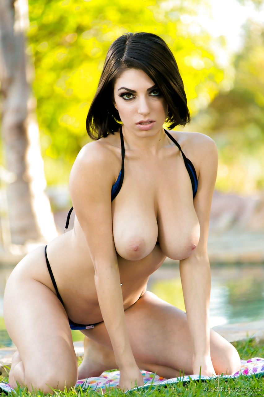 Latinas hot nude girl