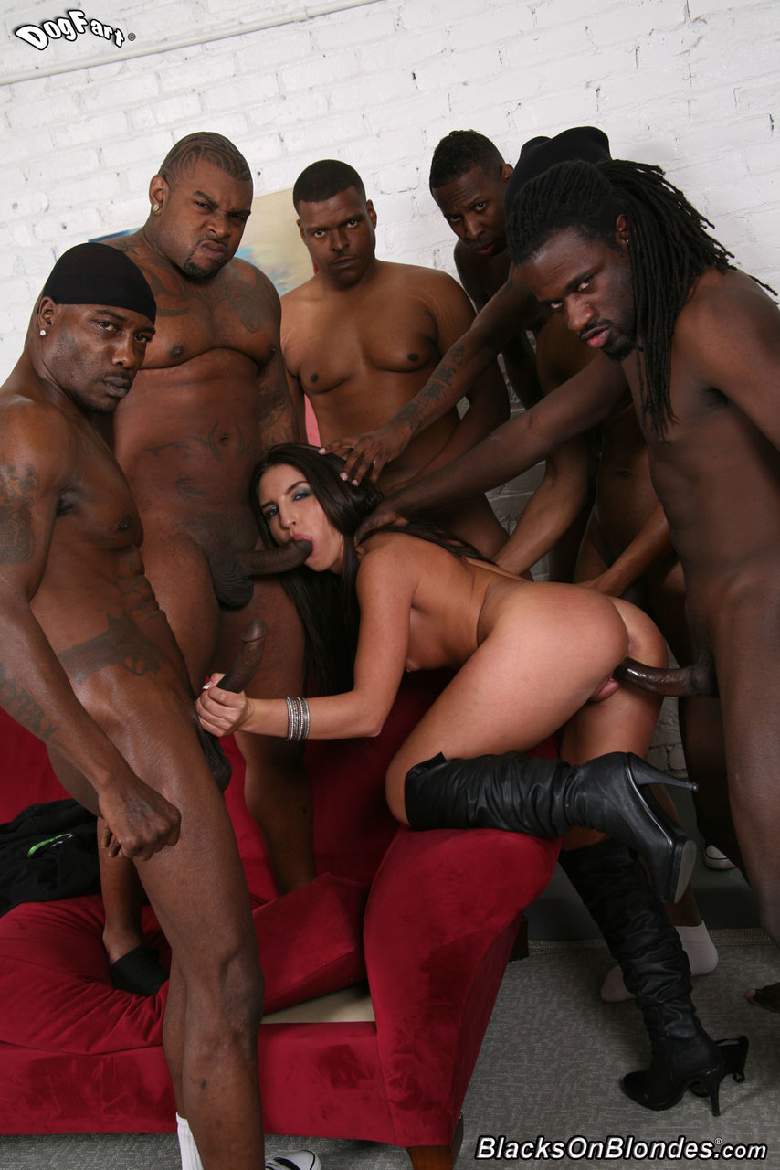 Mom and daugther in gangbang