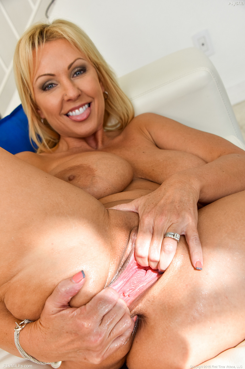 with playing Blonde pussy girl