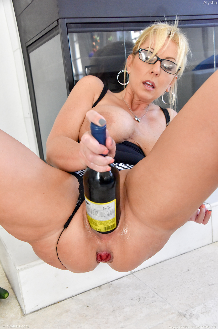 A big bottle in the ass 1