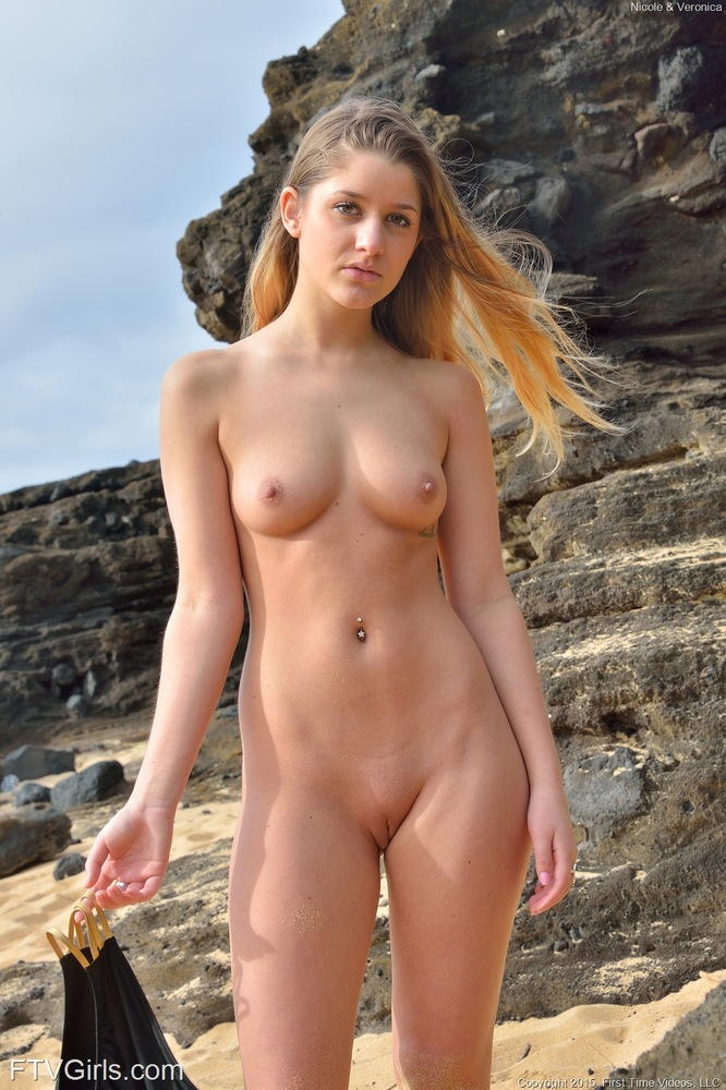 real nude brunette women