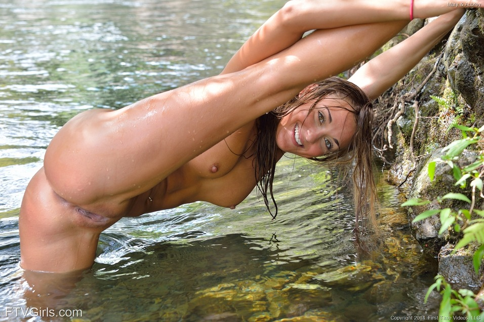 pussy swimming away naked
