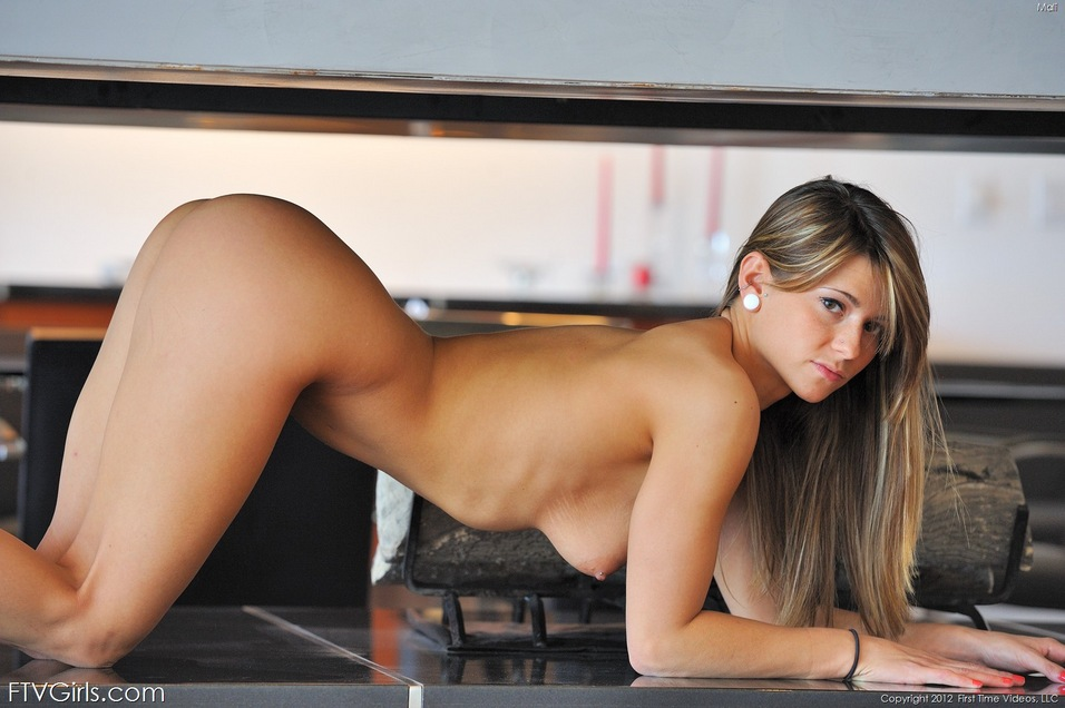 Beautiful nude girls on all fours
