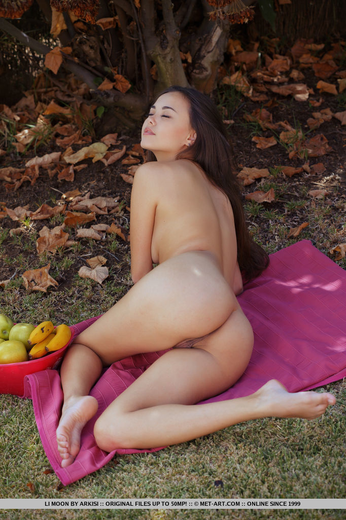 Sexy naked juicy wet asian girl images 341