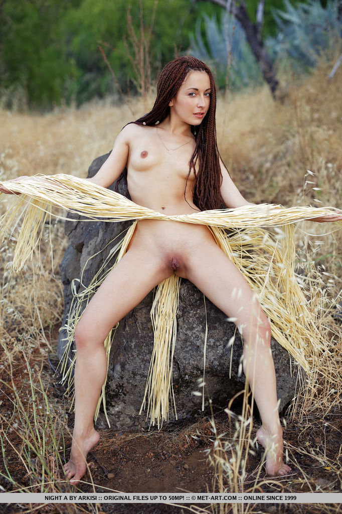 Opinion the Brunette pussy outdoors