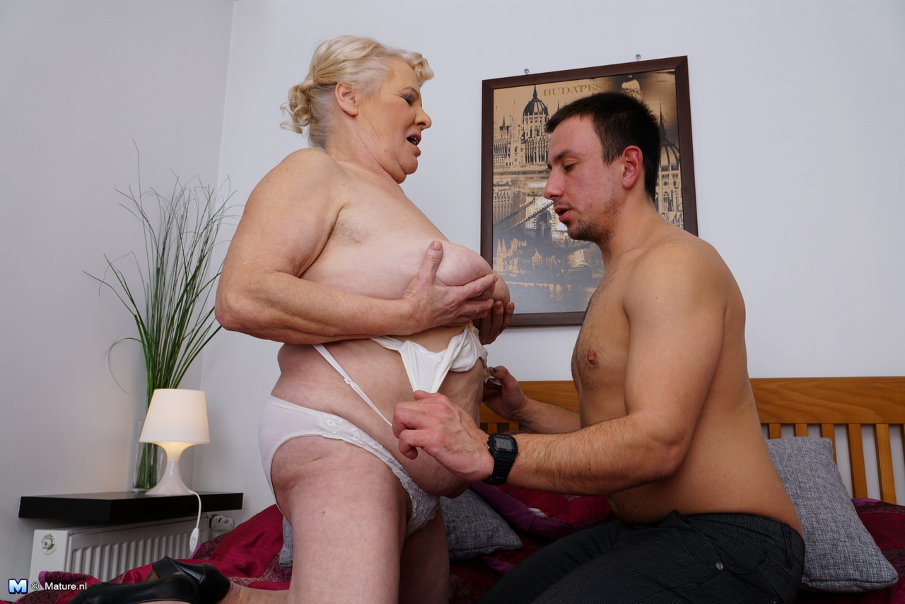 Fat mom son sex