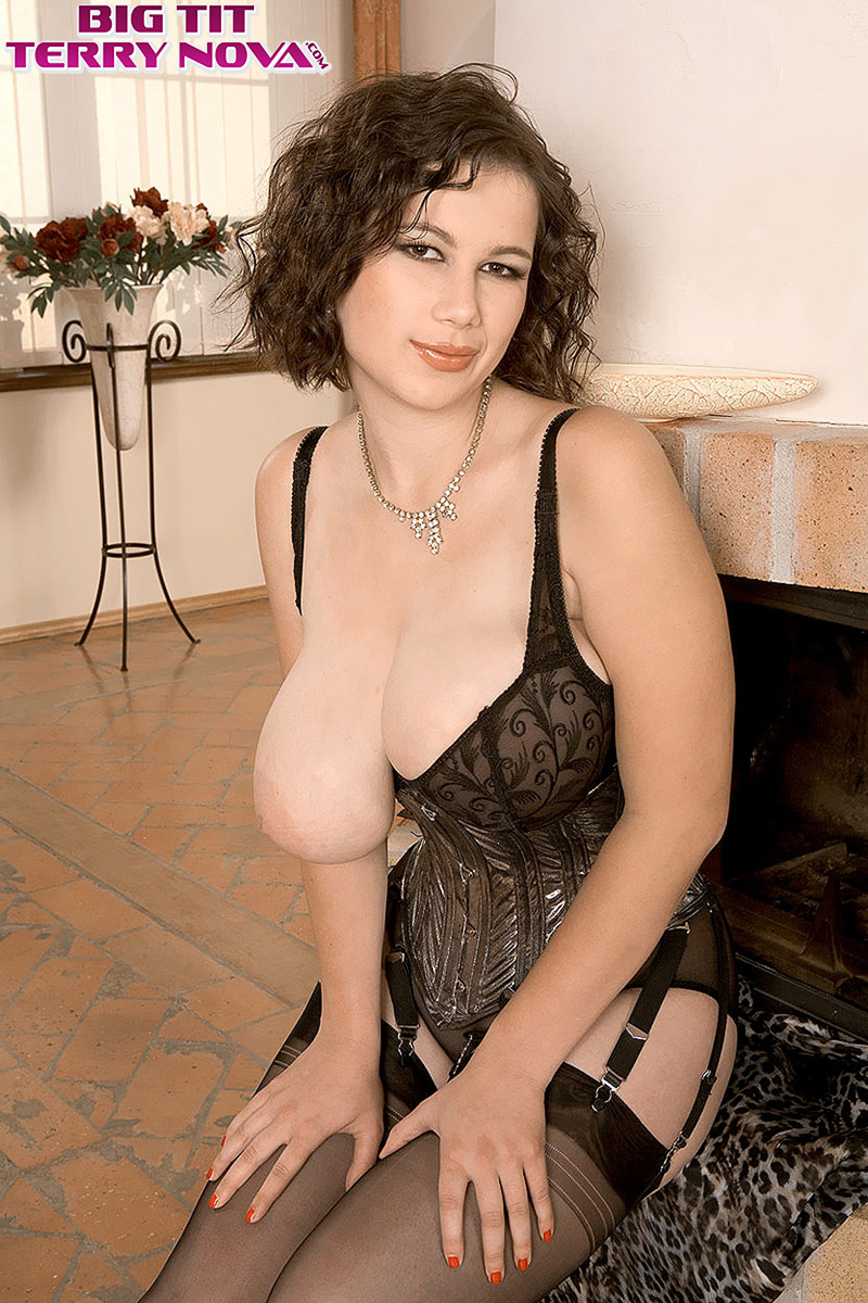 Woman in lingerie spreading pussy picture 359
