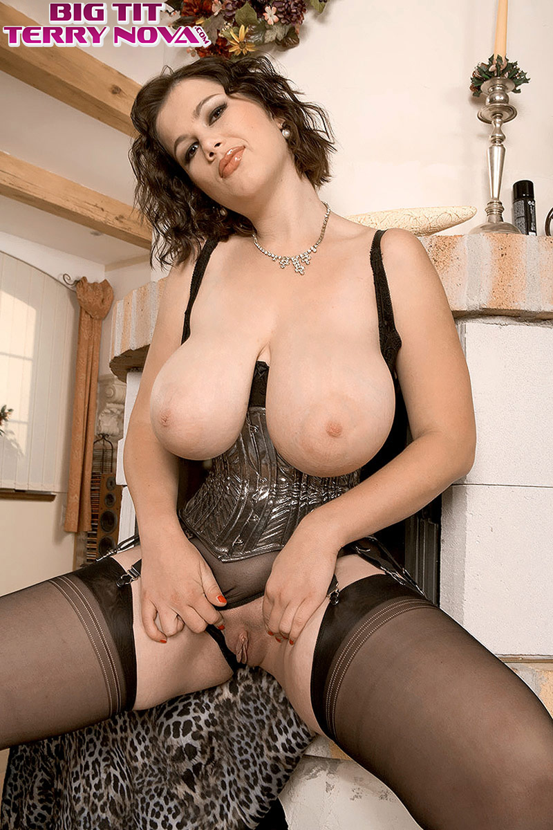 Woman in lingerie spreading pussy picture 457