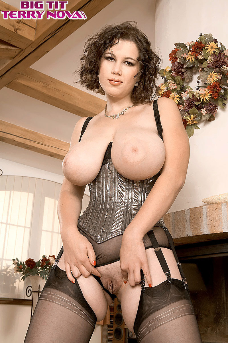 Huge tits stockings porn-1987