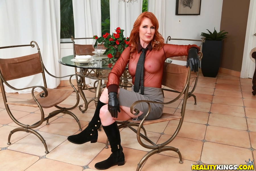 Hot middle age milf gallery