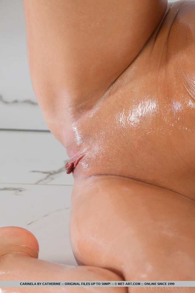 Oiled pussy close up