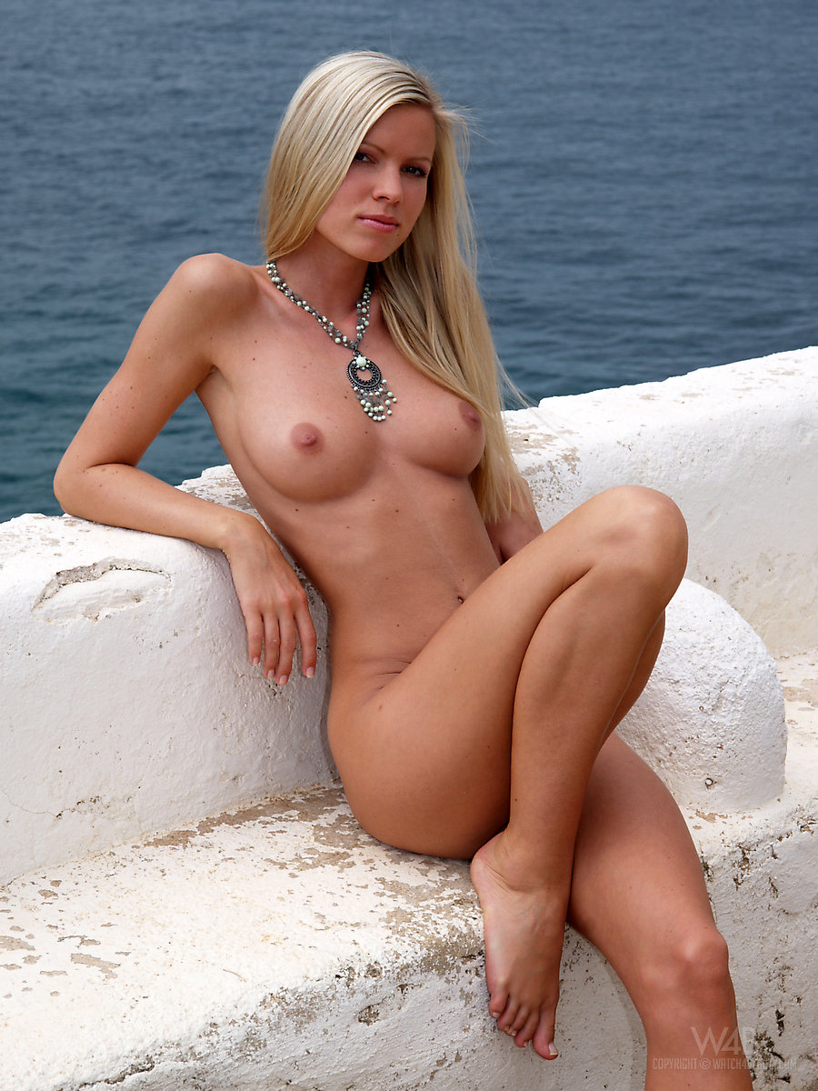 hot young nude south seas women