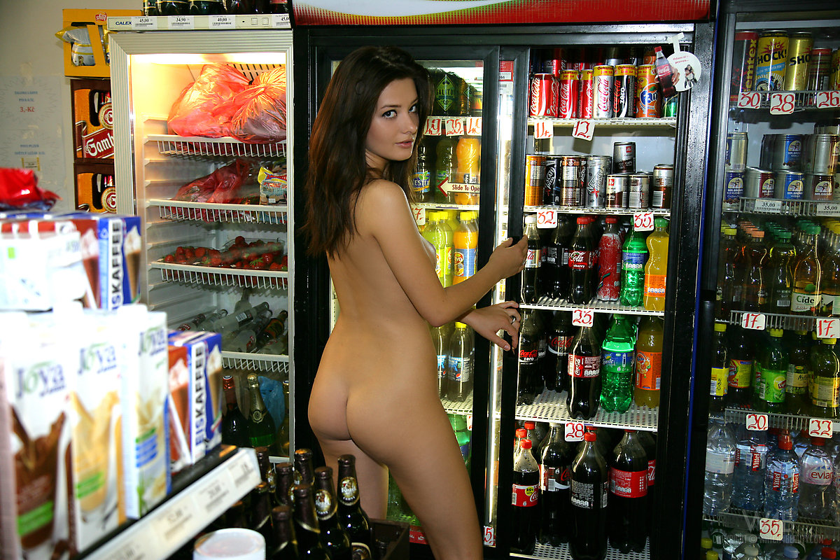 Girls nude grocery shopping me, please