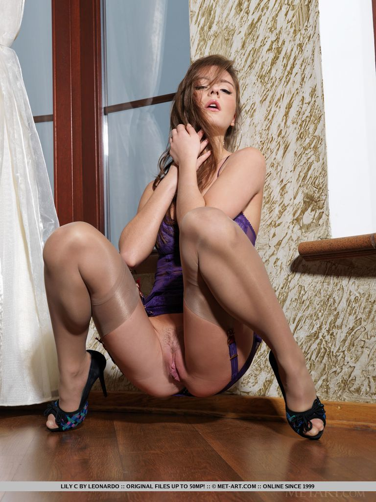 Can naked pussy in heels