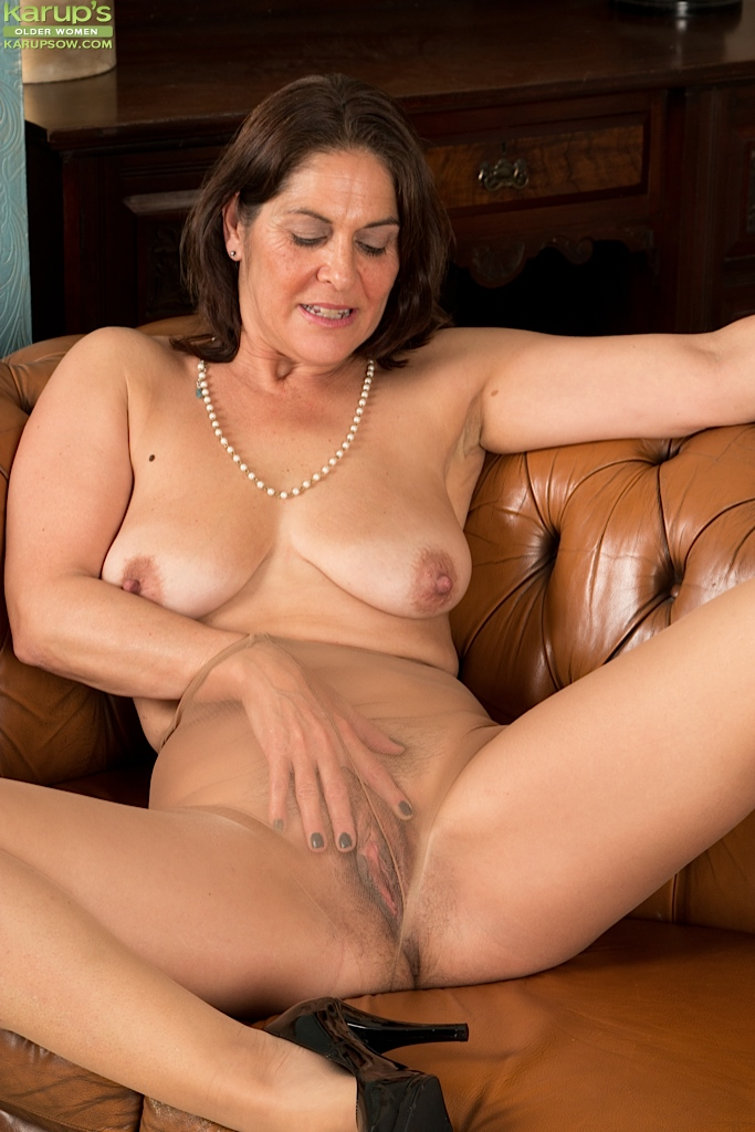 pantyhose nude Older women