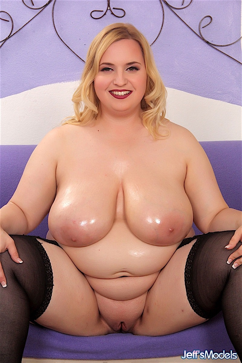 Nude beautiful bbw