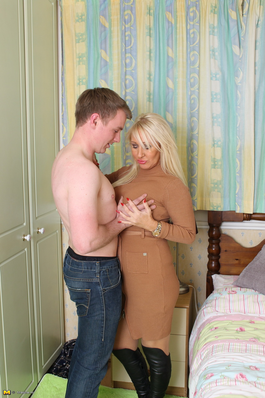 Mature granny on younger part 1 ose - 2 1