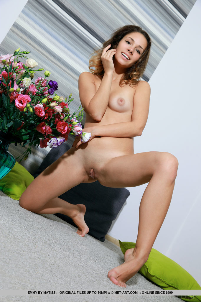 The best hand-picked free shaved MILF sex pics sorted by categories: mature.