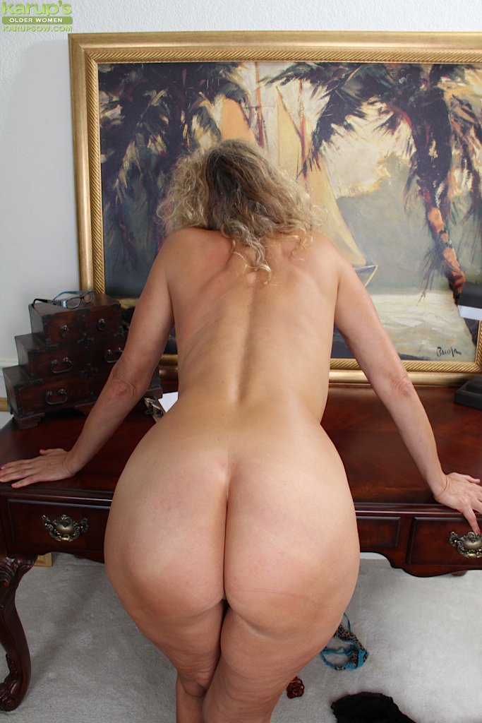 Nice mature naked women sorry