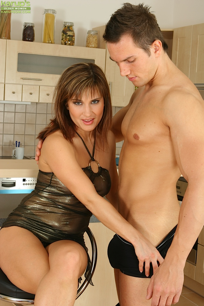 Amateur chick Valentina Rush seduces her man in a tight evening dress