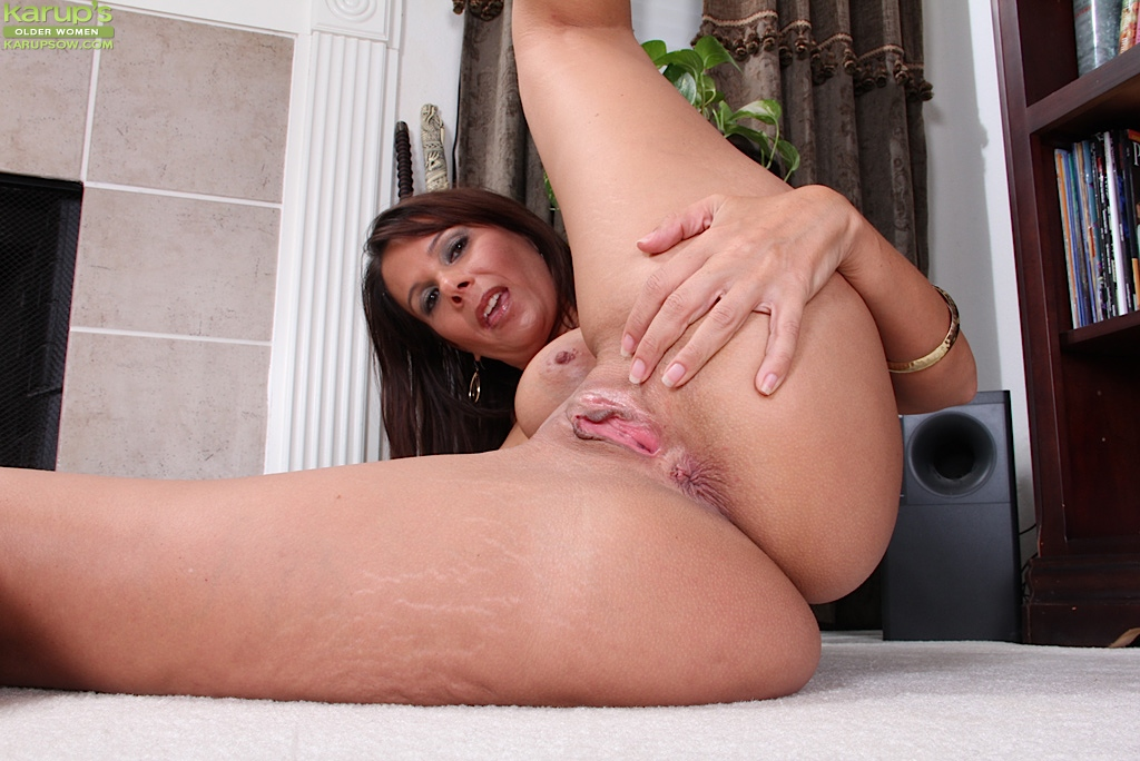Chubby naked real wife