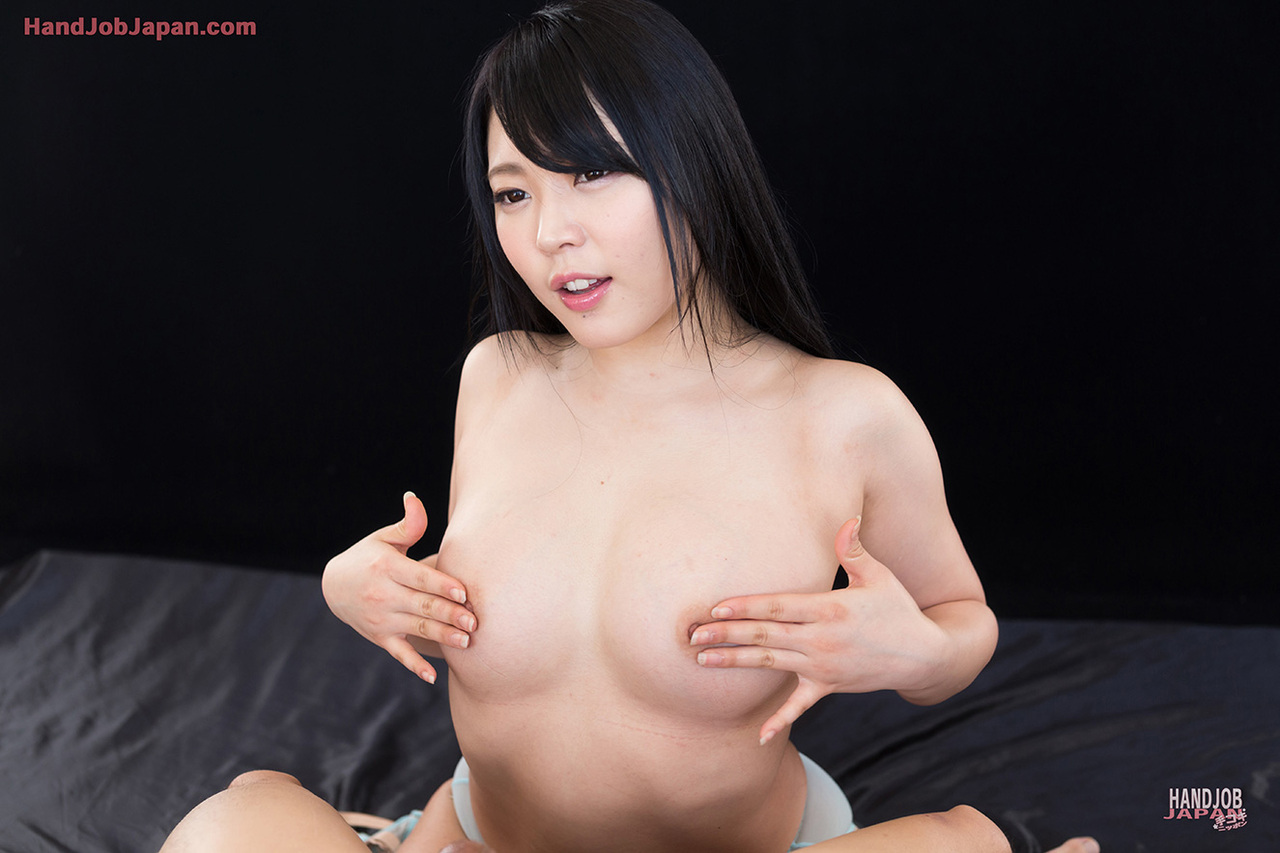 handjob japan 手コキbig cock ... Beautiful Japanese female uncovers her tits before tugging on a cock ...