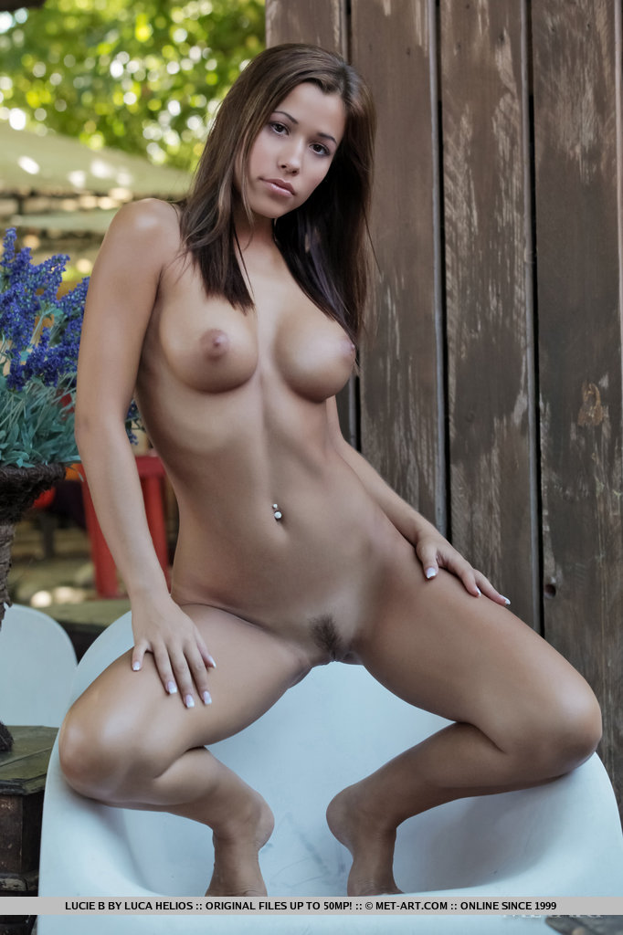 Candid young nude girls