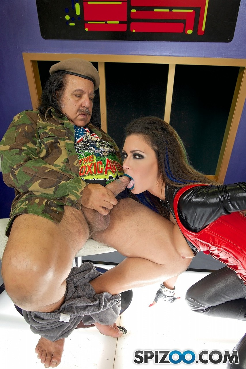 ... Famous pornstar Jessica Jaymes delivers oral sex decked out on fetish  gear ...