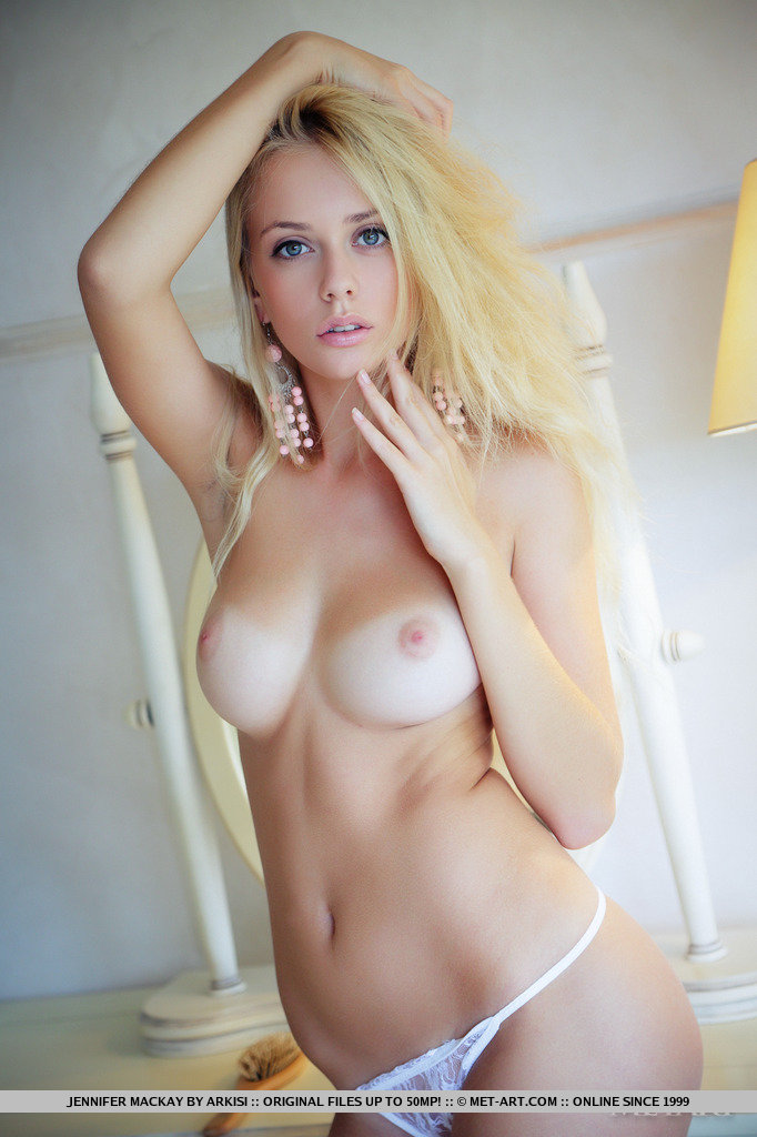 Best Blonde Chick Nude Pic