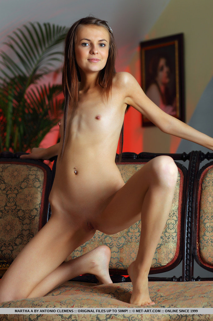 Very nude girls