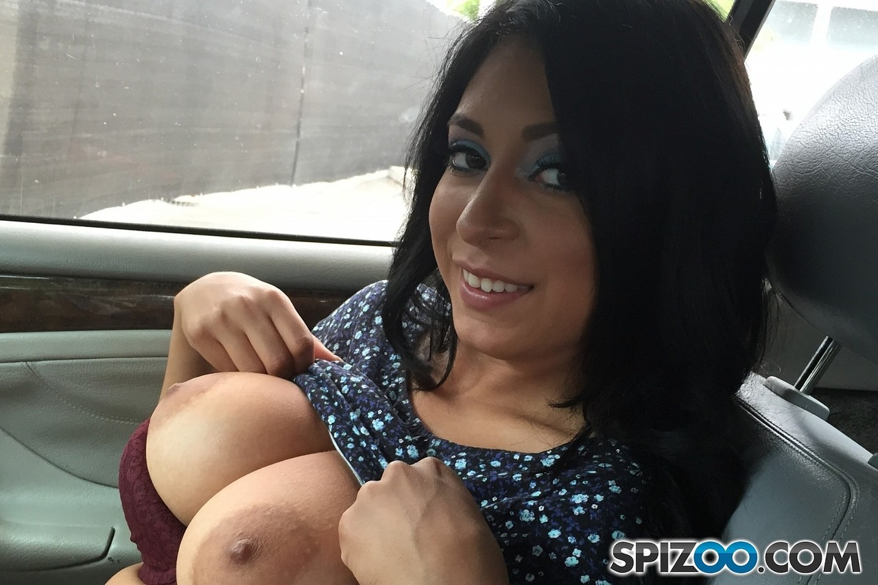 Amateur Alicia Allen wants to break into porn by showing off her big tits