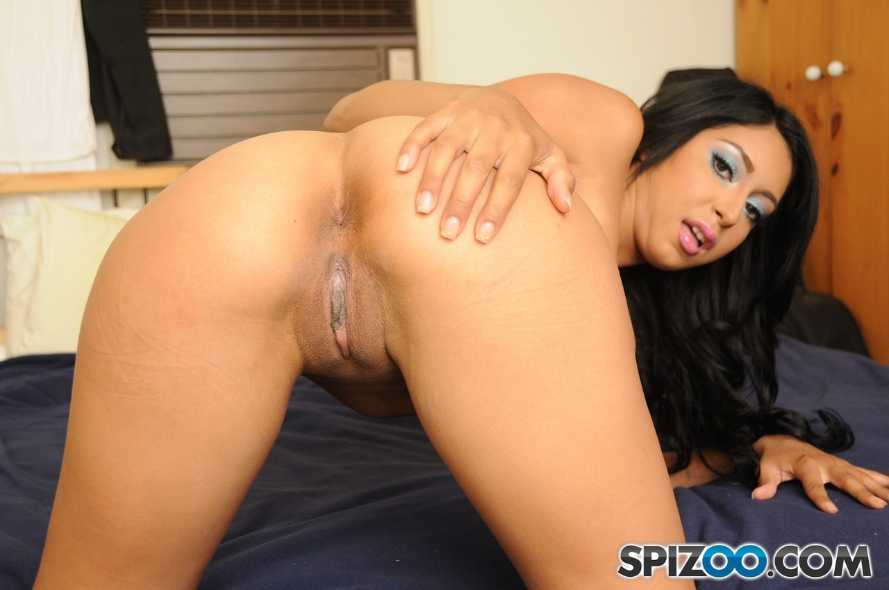 College girl Alicia Allen gets naked and makes her porn debut in style
