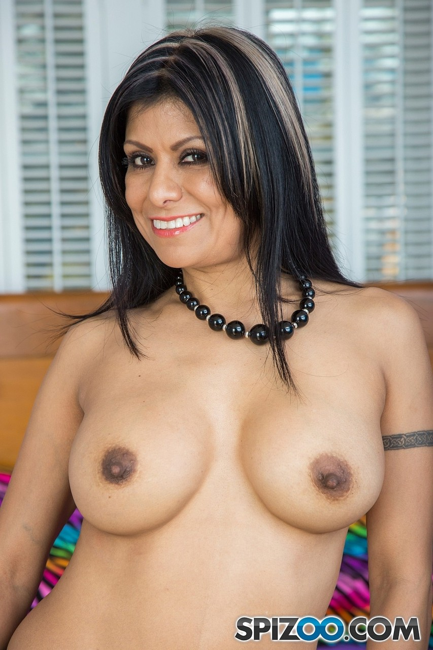 Latina glamour model Gabby Quinteros reveals her big tits and twat in nylons