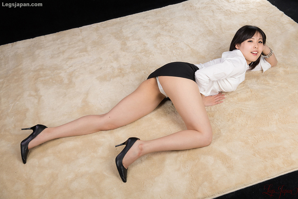 Think, Japan pantyhose girls