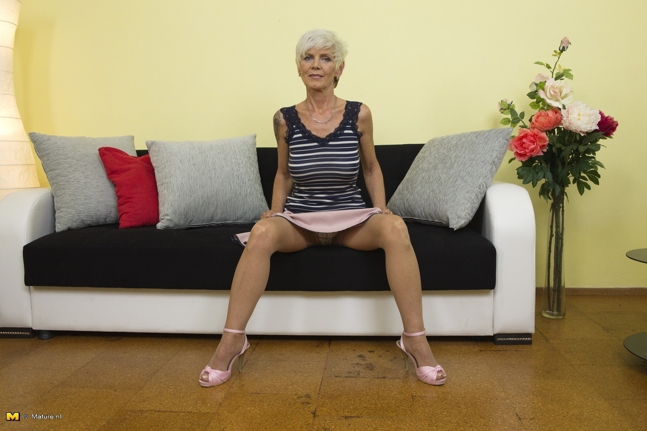 tanned-hot-granny-pussy-people-having-sex-naled