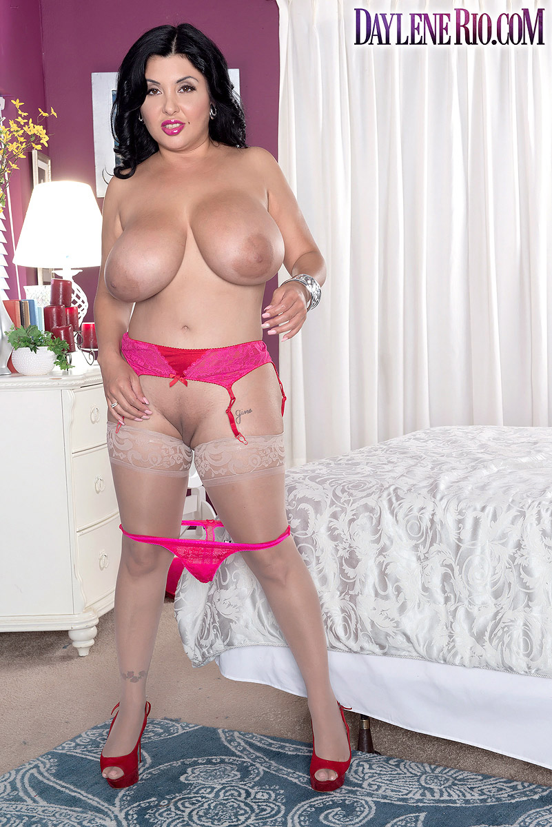 Latina model Daylene Rio fondles her huge boobs after touting her big booty