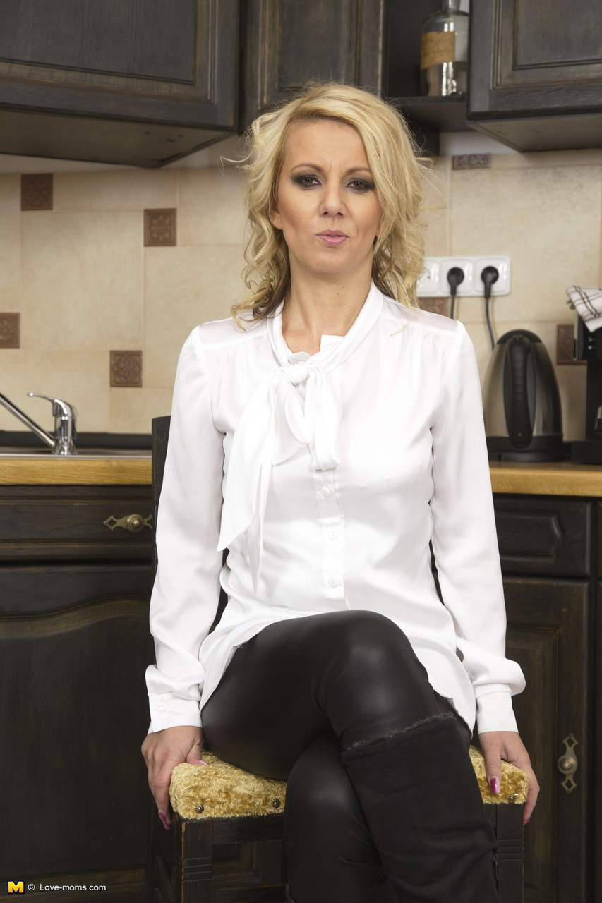 Hot blonde wife unzips in kitchen and plays with her moist twat and ...