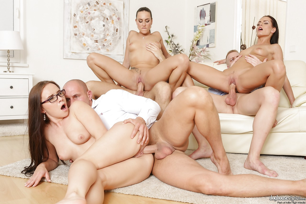 Hot chicks orgy, impalled on a dildo