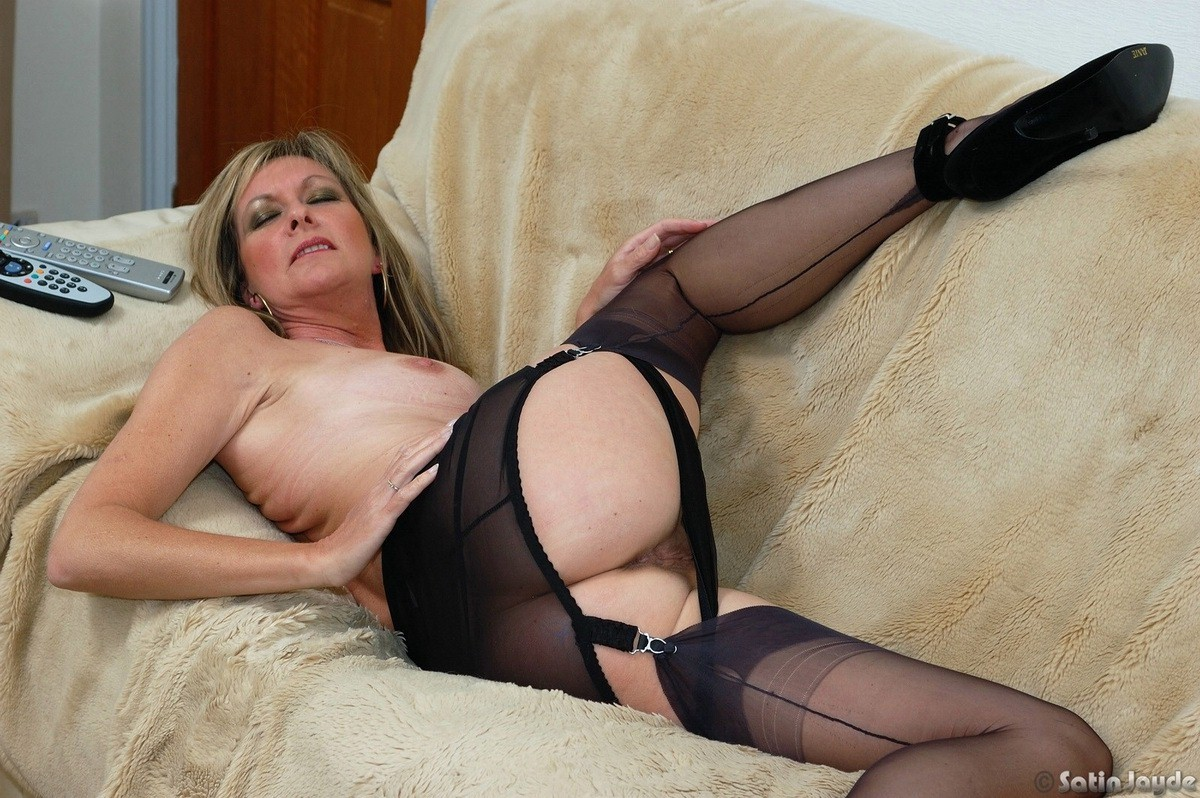 Join In pantyhose teasing free porn where