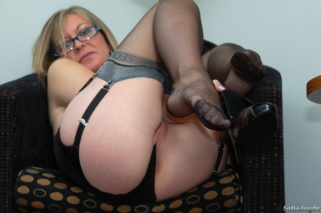 image Bored big tits wife gigi fucked the handsome