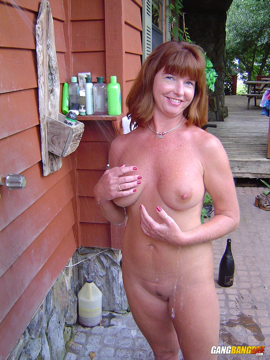 Hot and sexy its girls alive nude