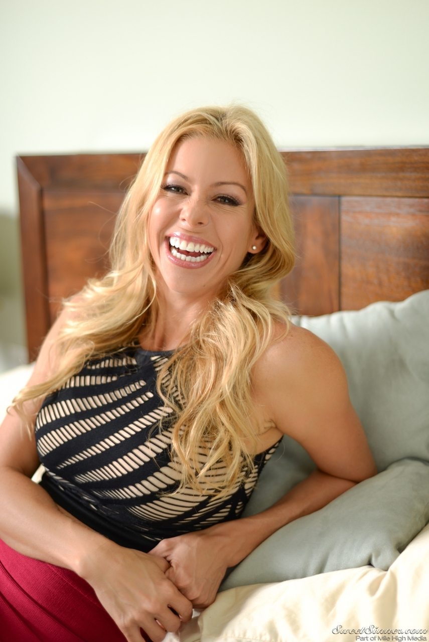 image Blonde mom alexis fawx wore stockings and wake up son