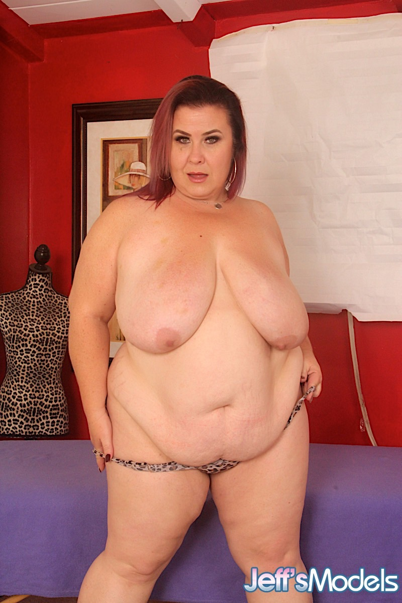 Obese mom Lady Lynn strips off leopard print lingerie before being masturbated