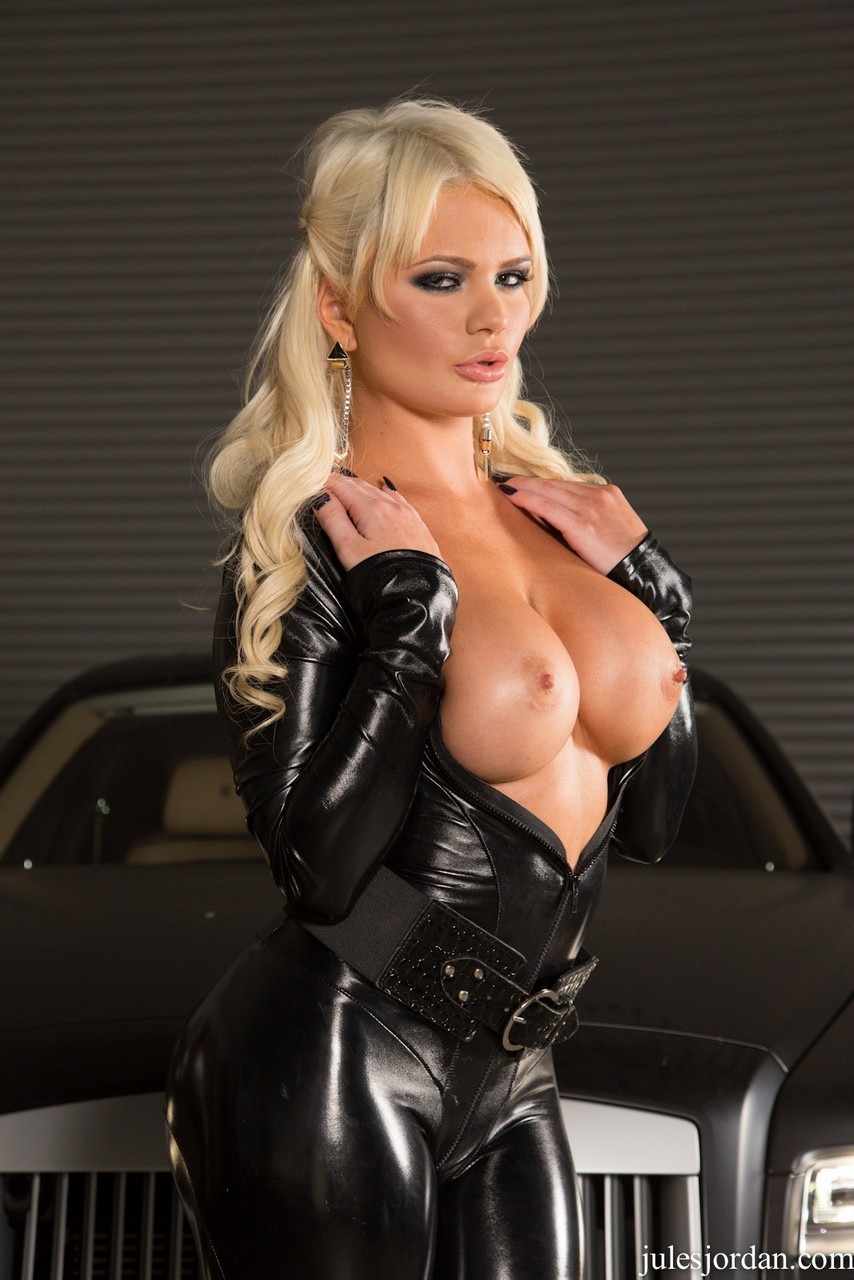 Hot blonde Alexis Ford looses big tits from a catsuit before a blowbang