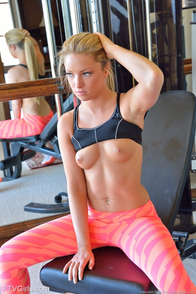 Girls working out in the nude-8865