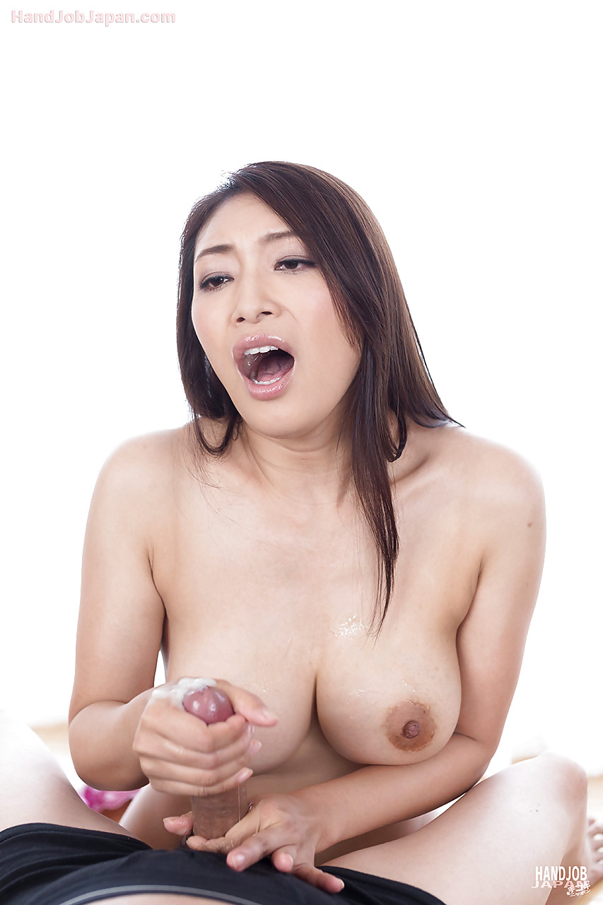 Asian pussy spreading