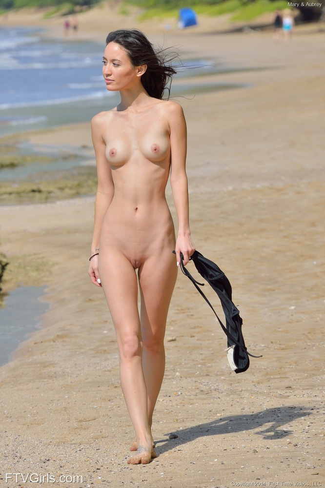 Sorry, photos of naked girls on beach excellent