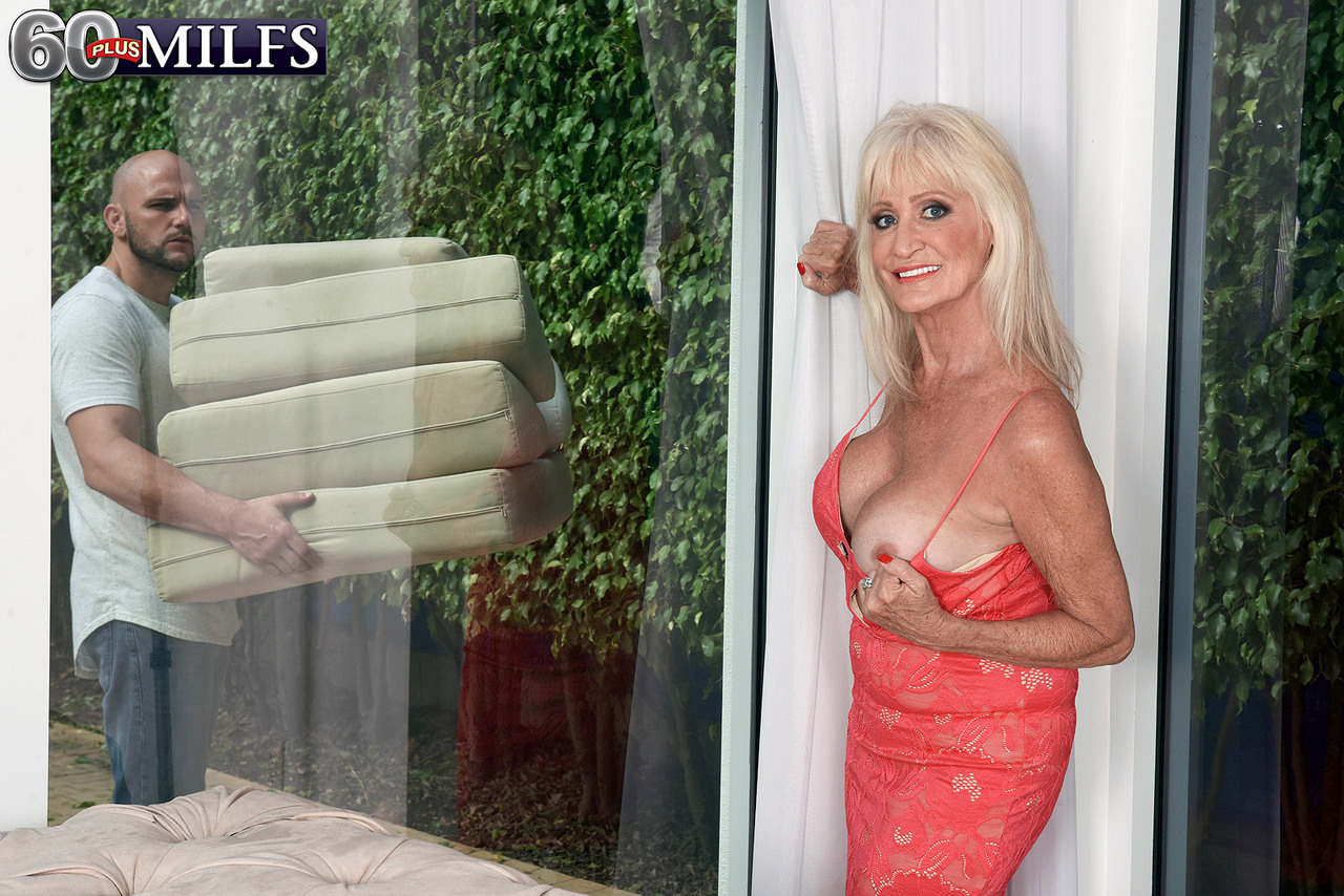 hot granny leah l'amour greets her young lover at door for afternoon