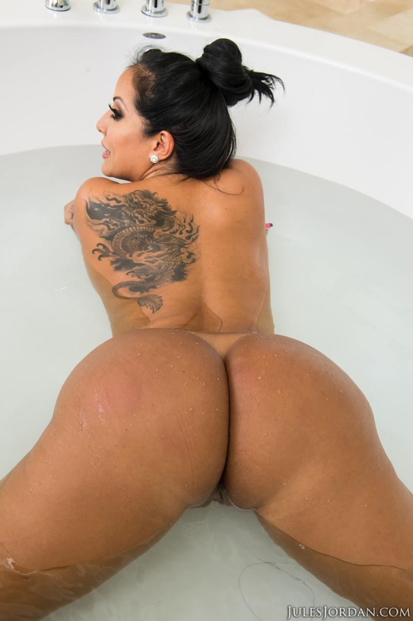 Black-haired Gabriella Ford is trying hard to suck a really big cock